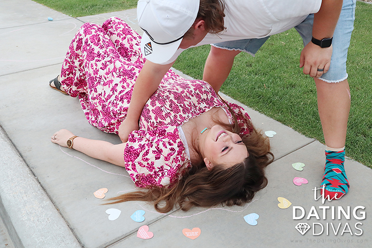 Fun ideas to do with chalk outside in the summer on a date | The Dating Divas
