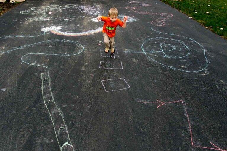 Hopscotch Obstacle Course Chalk Art Ideas | The Dating Divas